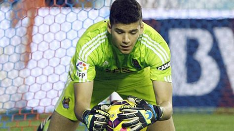 Manchester City sign Geronimo Rulli will stay at Real Sociedad for one more year (link in spanish)