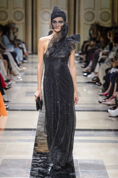 Armani Privé Couture, Fall 2017 - Every Must-See Dress From Paris Couture Week - Photos