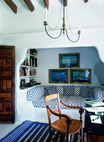 Cob house with built ins