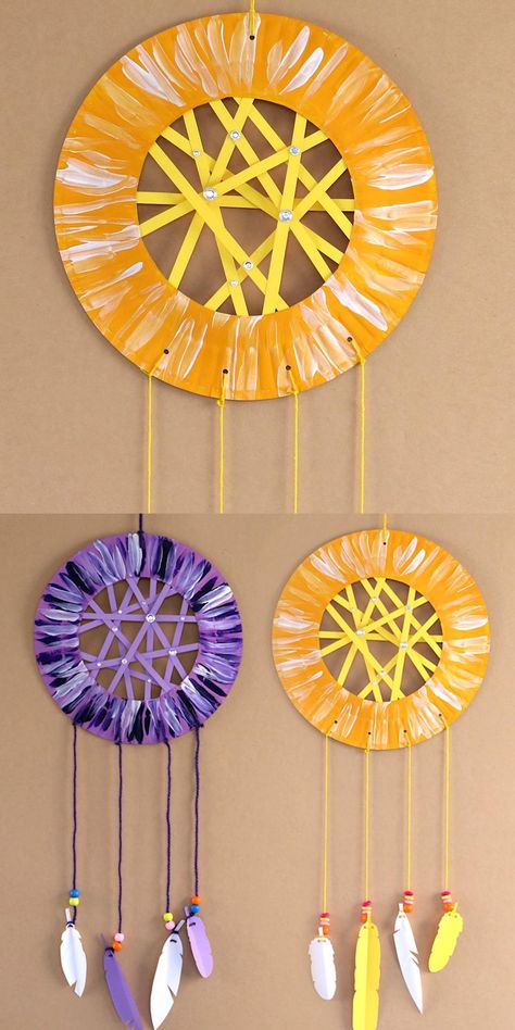 Easy paper plate dream catcher craft with printable feathers and paper web. This is a fun paper craft for kids of all ages #kidscafts #papercrafts #kidsactivities #dreamcatcher #traditionalcrafts #printables #thecrafttrain
