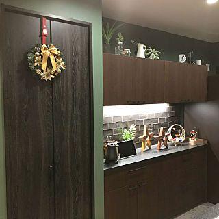 キッチン スタバ風キッチン クリスマス グリーン 壁紙 などの