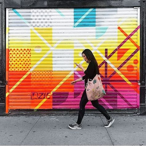 "NYC's CULTURE CURATOR on Instagram: ""New Rag and Bone mural by VIZIE (@eiziv) as captured by @catscoffeecreativity .  73 E. Houston Street . . .  #FOMOfeed #NYC #NewYorkCity…"""