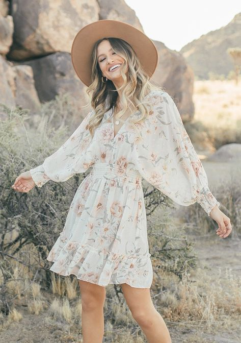 Rustic Outfits, Country Outfits, Boho Outfits, Fashion Outfits, Country Dresses With Boots, Boho Spring Outfits, Country Western Dresses, Western Outfits Women, Fashion Ideas