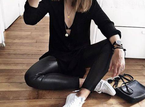 Take a look at the best what to wear with leggings and sneakers in the photos below and get ideas for your outfits! Camille Callen wears head to toe Nike in this casual sport chic outfit. This combination is perfect… Continue Reading →