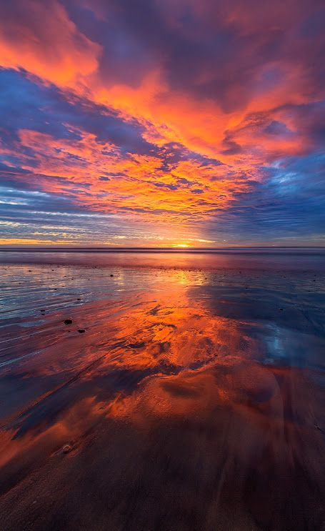 Sairam Sundaresan or mother nature moments Amazing Sunsets, Amazing Nature, Sunset Pictures, Nature Pictures, Expressions Photography, Nature Aesthetic, Ocean Sunset, Sunset Colors, Beautiful Sunset