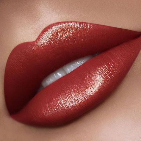 PAT McGRATH LABS *NEW* BLITZTRANCE Lipstick in shade: 'FLESH 3' — a neutral bronze rose with golden sheen. Ultra-creamy opaque lipstick with pearlescent high-shine effects ⚡⚡ Shop nine *NEW* shades of BlitzTrance Lipstick at PATMcGRATH.COM. 👄: @claremacmua | Makeup for medium and olive skin tones | Summer 2019 makeup ideas | Party lipstick