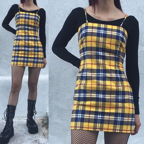 Always in fashion, never in fashion: instructions for wearing vintage clothing Soft Grunge Outfits, Grunge Fashion Soft, Grunge Dress, Edgy Outfits, Curvy Outfits, Girl Outfits, Fashion Outfits, Soft Grunge Clothing, Soft Grunge Style