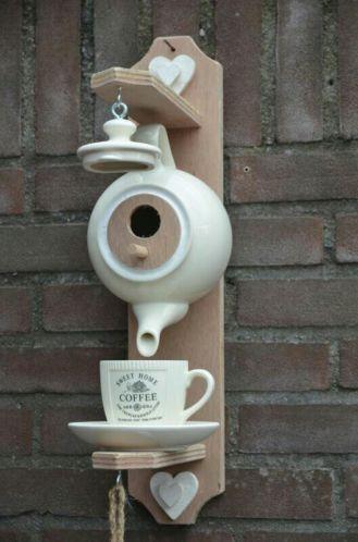 Vogelhuisje theepot kop en schotel