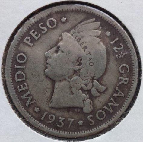 Dominican Republic 1 2 Peso Silver Coin