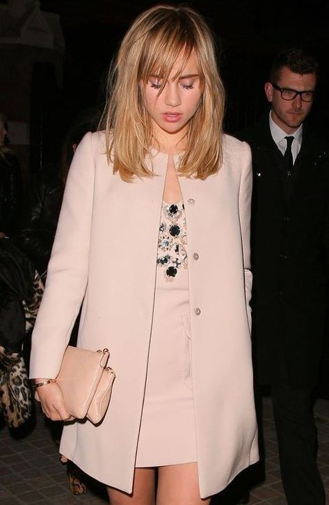 Suki Waterhouse is wedding-guest perfection in all bisque