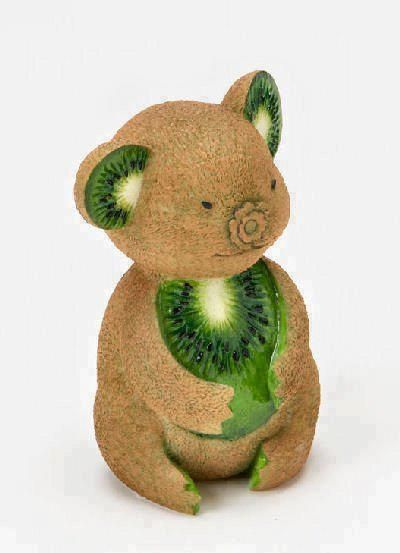 Vegetable carving is the art of carving vegetables to form beautiful objects, such as flowers or birds. Regardless of its origins, vegetable carving is fla L'art Du Fruit, Deco Fruit, Fruit Art, Fruit Cakes, Fresh Fruit, Food Design, Veggie Art, Veggie Food, Food Food