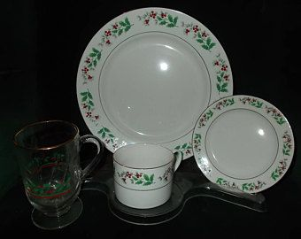 Gibson Christmas China Holly Berry Wreath Christmas Dinnerware Service For Four Vintage Christmas Dinner Set & Gibson Christmas China Holly Berry Wreath Christmas Dinnerware ...