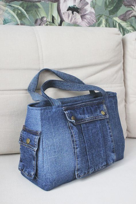 Handmade denim bags and backpacks by RoseofWindBags Denim Bags From Jeans, Denim Tote Bags, Denim Purse, Denim Bag Patterns, Bag Patterns To Sew, Jean Crafts, Denim Crafts, Diy Sac, Denim Ideas