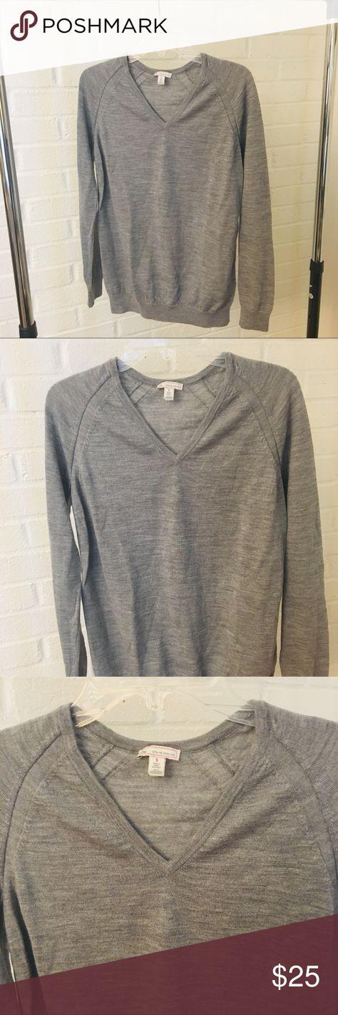 "GAP extra fine merino wool sweater Sz Small GAP extra fine merino wool sweater Sz Small  Grey in color, v neck | staple piece in your wardrobe!  Measurements:  26"" length, 17"" across waist, 17"" armpit to armpit GAP Sweaters V-Necks"