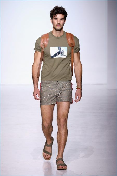 Parke & Ronen delivers a spring-summer 2018 collection inspired by the outdoors. Designers Parke Lutter and Ronen Jehezkel reference John Denver's song Rocky…