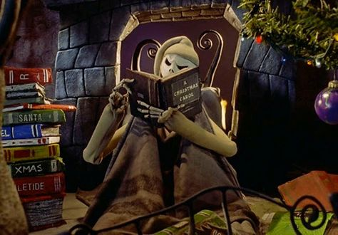 13 Days of Creepmas: 7 Macabre Books to Add to Your Christmas Wish List #creepmas #gothgiftguide #giftsforgoths #giftguide