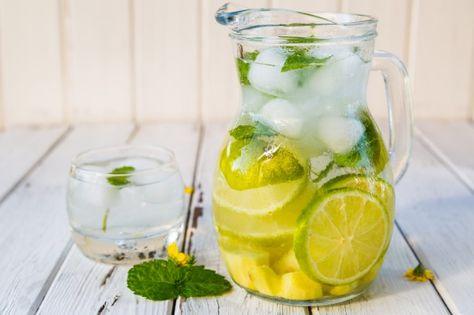 Rimuovere il grasso della pancia con il limone-menta acqua .  Ginger-Calce-menta-Sparkling-Water1-600x399