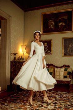 Civil Wedding Dresses, Dream Wedding Dresses, Bridal Dresses, Wedding Gowns, Bridesmaid Gowns, Vintage Wedding Dresses, Lace Wedding, Wedding Cake, Tea Length Wedding Dress