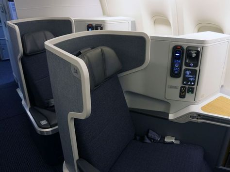 Justice Asks For Delay In Aa Us Airways Merger Case American Airlines Boeing 777 Boeing