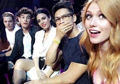 Kat, Dom, Harry, Emeraude, and Alberto at the TCA's (via harryshumjr | Instagram)