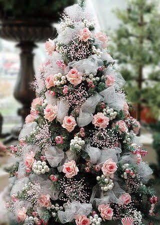 Sapin De Noël Décoré Avec Des Roses Inspiration De