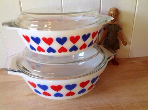 1971 JAJ Pyrex - Hearts - Scandinavian Bowls - USA size 509 and 513 by Onmykitchentable on Etsy https://www.etsy.com/uk/listing/293008613/1971-jaj-pyrex-hearts-scandinavian-bowls