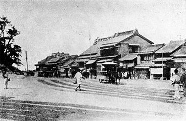 明治中期上野公園前を通る馬車鉄道。1882年(明治15年)馬車鉄道開業 ...