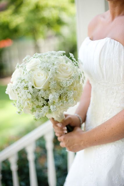 Very Feminine Bridal Bouquet Of White Roses And Queen Annes Lace