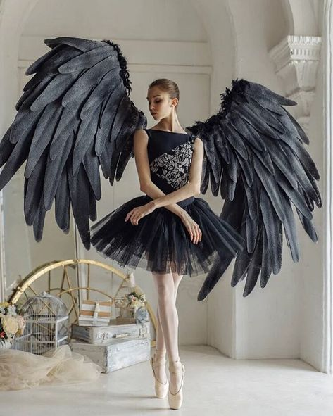 Capability dress and dance outfits capabilities on-trend styles for all those genres of interact. Ballet Art, Ballet Girls, Ballet Dancers, Ballerinas, Ballet Costumes, Dance Costumes, Halloween Costumes, Yoga And More, Foto Sport