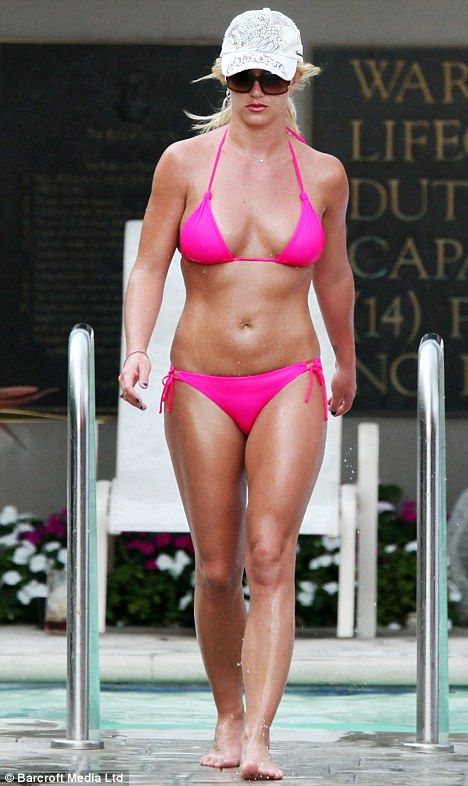 Britney flash pink spear upskirt, topless bride