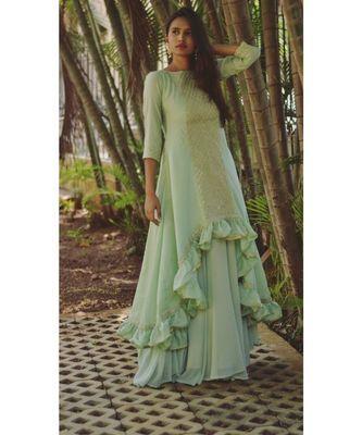 Buy Readymade Lehenga Cholis Online Shopping India, UK from Mirraw