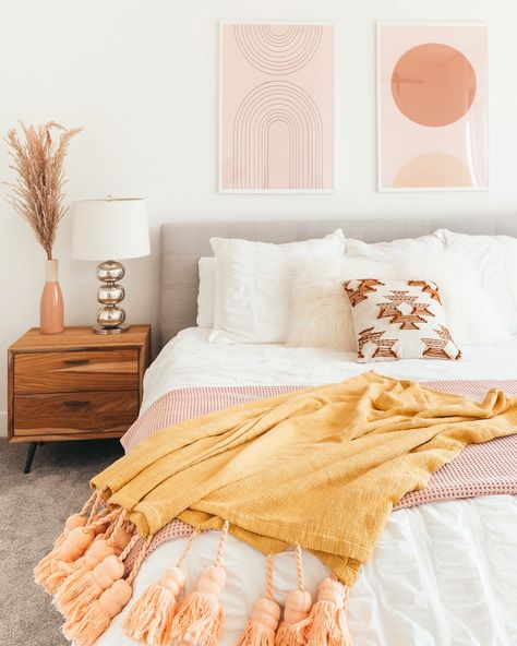 HOW TO STYLE YOUR HOME WITH THROW BLANKETS