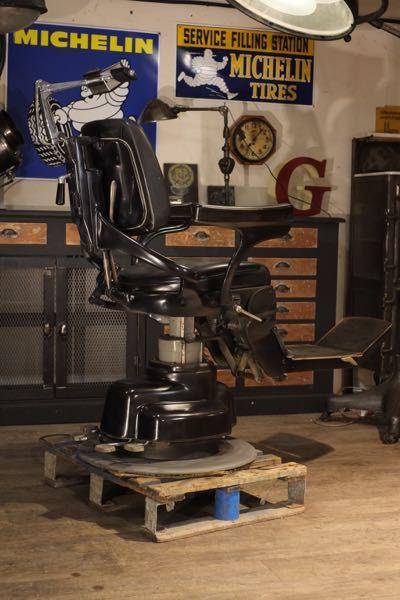 Fauteuil De Barbier Ancien Avec Images Meubles Industriels