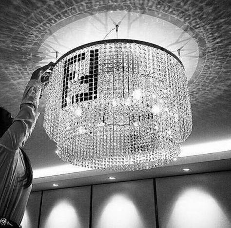 110 Idee Su Fendi Casa Fendi Tappeti Fendi Sedia Per Sala Da Pranzo