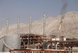 By Nidhi Verma               NEW DELHI (Reuters) - Iran wants to recover tens of billions of dollars it is owed by India and other buyers of its oil in euros and is billing new crude sales in euros, ...