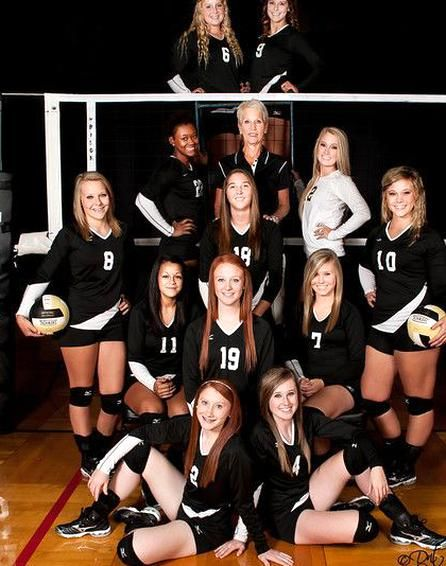 Volleyball Maybe We Could Get A Nice Picture This Year In 2020 Volleyball Team Pictures Volleyball Photography Volleyball Team Photos