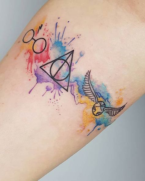 Searching for some cool Harry Potter tattoos? You& in the right place! With our magical designs, Harry Potter will forever live in your heart. Harry Potter Tattoos, Harry Potter Art, Harry Potter Memes, Mickey Tattoo, Disney Tattoos, Body Art Tattoos, Small Tattoos, Unique Tattoos, Tatoos