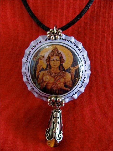 Tappo di bottiglia riciclata collana con perle in argento e vetro di Vishnu