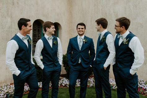 Groomsmen Attire Navy, Bridesmaids And Groomsmen, Groomsmen Attire Fall Wedding, Groom Attire Black, Groomsmen Poses, Groom And Groomsmen Suits, Best Wedding Suits For Groom, Navy Suit Groom, Brown Groomsmen
