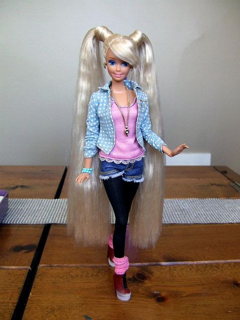 La Barbie La Plus Moche Du Monde : barbie, moche, monde, Idées, Barbie, Beaute2, Barbie,, Poupées, Poupée
