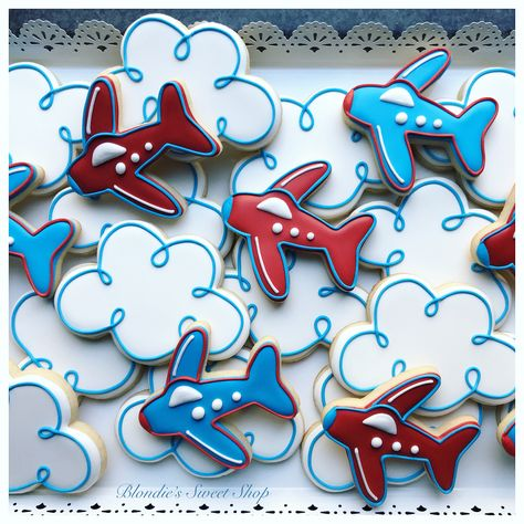 ✈️☁️ Fun birthday cookies from last weekend! Fluffy cloud cutter from . Cookies For Kids, Baby Cookies, Iced Cookies, Cute Cookies, Birthday Cookies, Sugar Cookies, Airplane Birthday Cakes, Airplane Party, Planes Party