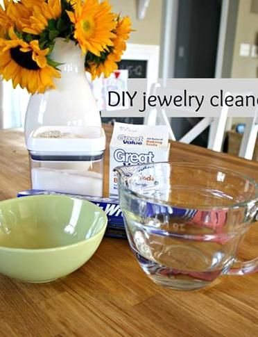 Diy Jewelry Cleaner Salt Baking Soda Boiling Water A Piece Of Aluminum Foil And A Glass Bowl In 2020 Jewelry Cleaner Diy Jewelry Cleaner Glass Bowl