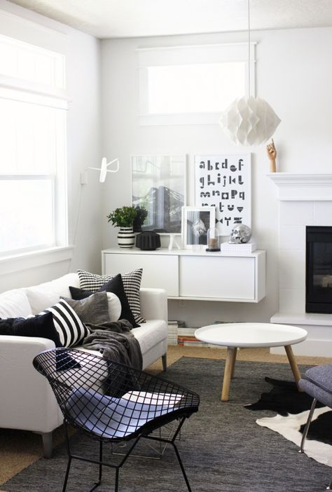 lovely black and white living room.  Rent-Direct.com - No Fee Apartment Rentals in New York City.