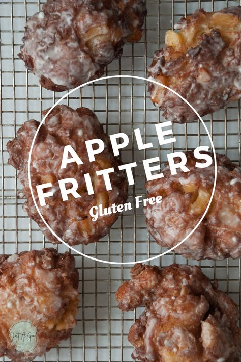 Gluten free meals 685391637021316551 - Weekend goals include these crunchy on the outside, soft and apply on the inside gluten free apple fritter donuts. Source by JustAsGoodGlutenFree Gluten Free Deserts, Gluten Free Donuts, Gluten Free Sweets, Gluten Free Breakfasts, Foods With Gluten, Gluten Free Baking, Gluten Free Biscuits, Patisserie Sans Gluten, Dessert Sans Gluten