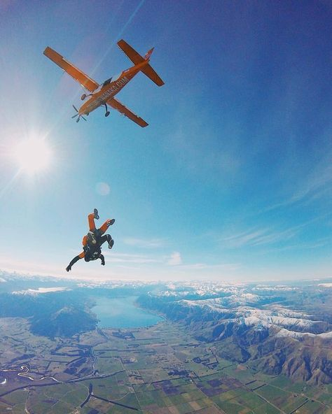 Jump over the Wanaka lake in NZ - Jump over the Wanaka lake in NZ photo - Adventure Bucket List, Adventure Is Out There, Adventure Travel, Base Jumping, Bungee Jumping, Jump Over, Hang Gliding, Ice Climbing, Just Dream