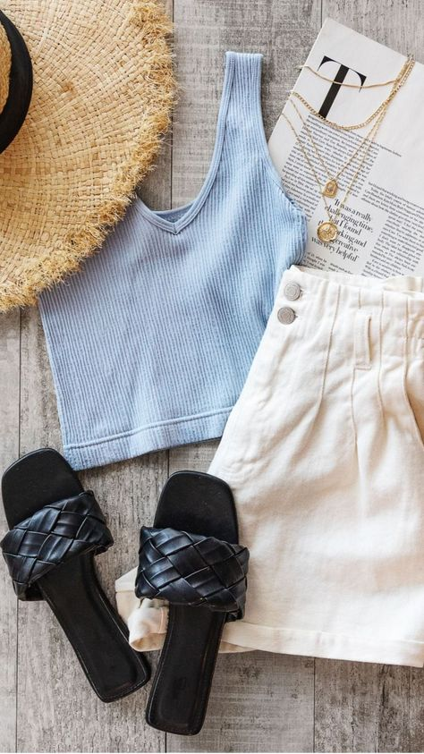 4 Vacation Outfit Ideas