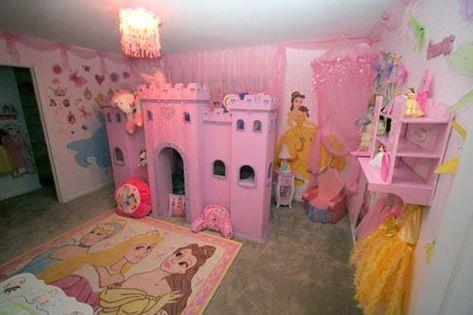 Une Chambre Sur Le Theme Des Princesses Disney Chambre Disney