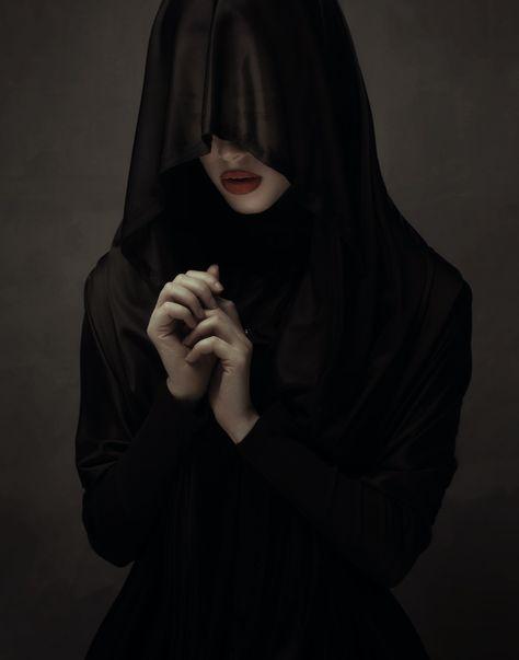 Sleep by Babak Fatholahi on Dark Beauty Magazine Black Dagger Brotherhood, Dark Photography, Portrait Photography, Horror Photography, Fashion Photography, Arte Obscura, Dark Art, Dark Side, Cyberpunk