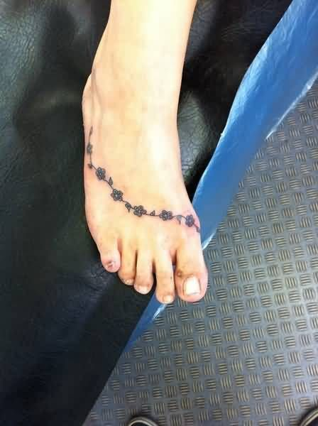 Latest Foot Cover Up With Daisy Chain Tattoo Design For Women Daisy Chain Tattoo Chain Tattoo Daisy Chain Tattoo Ankle