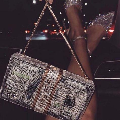Badass Aesthetic, Boujee Aesthetic, Bad Girl Aesthetic, Luxury Purses, Luxury Bags, Luxury Handbags, Glitter Photography, Wedding Bag, Party Wedding